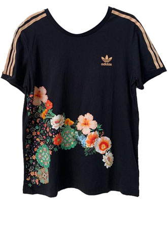 Camiseta Adidas Originals + Farm Estampada Preta/Rosa